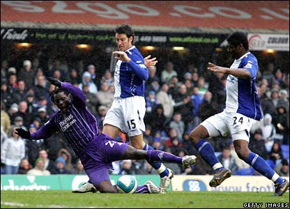 Benjani goes down in the Birmingham penalty area
