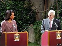 Condoleezza Rice at a news conference with Mahmoud Abbas in Amman (31 March 2008)