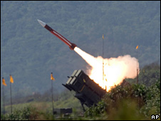 A US Patriot missile is launched during an exercise in Taiwan (28 July 2006)