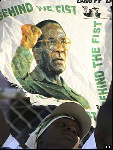 Supporter of Robert Mugabe