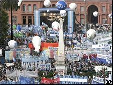 Supporters demonstrate in favour of Argentina's government during a political rally at the Plaza de Mayo in Buenos Aires,
