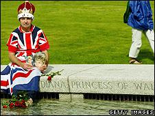 John Loughrey at the Diana memorial fountain