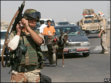 Iraqi soldier in Basra (2/4/08)