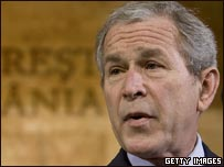 George W. Bush en cumbre de la OTAN en Bucarest