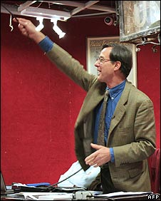 Drouot's auctioneer in Paris, November 2007