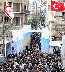 Cypriot crowd at reopening of Ledra Street crossing, 3 Apr 08