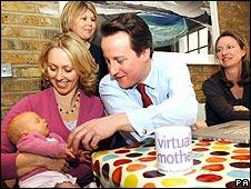 David Cameron meets members of Mumsnet