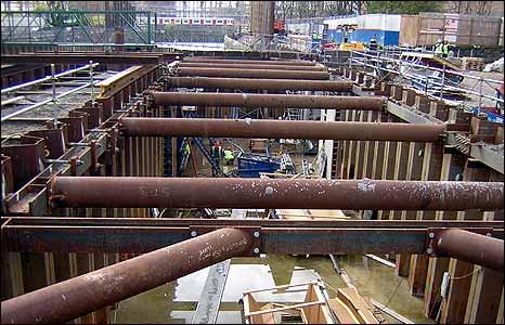 Workers constructing the Prescott Lock