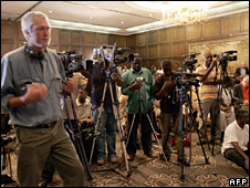 The media attend an MDC press conference (1 April 2008)
