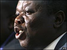 Zimbabwe's main opposition leader Morgan Tsvangirai (5/04/08)