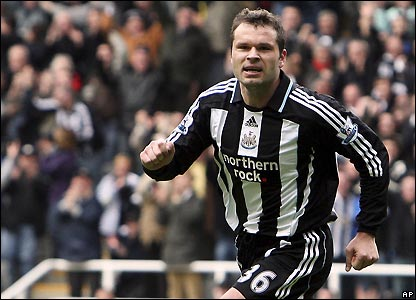 Viduka makes it 3-0