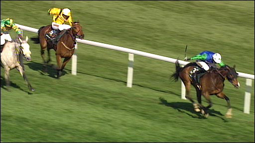 Comply or Die, ridden by Timmy Murphy wins the 2008 Grand National at Aintree