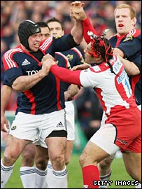 Lesley Vainikolo (right) and Denis Leamy have a disagreement in the first half