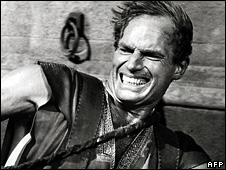 _44543775_charlton_heston_226afp - Ten Commandments Actor Charlton Heston Passes Away - Obituary