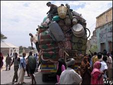 Refugees prepare to flee Mogadishu