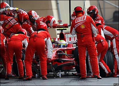 Ferrari pit team