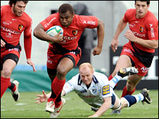 Maleli Kunavore charges through the Blues defence for a Toulouse try