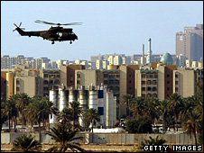 Helicopter flies over Green Zone in Baghdad (archive)