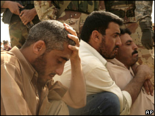 Iraqi students rest after being freed near Mosul (6 April 2008)