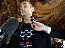 Robert Menard (2 April 2008)