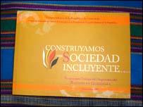 Libro didáctico sobre racismo en Guatemala