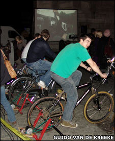 Bicycle-powered cinema. Image: Guido van de Kreeke