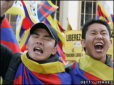 Pro-Tibet protesters in Paris - 7/4/2008