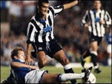 Malcolm Allen in Newcastle colours