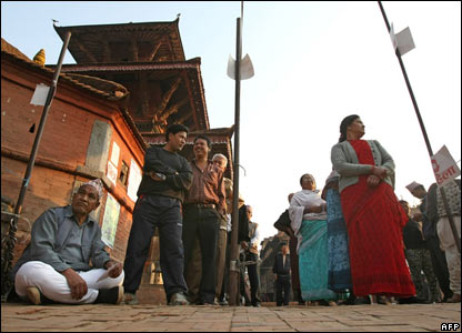 Nepalese men and women queue up to cast their ballots in Kathmandu on 10 April 2008