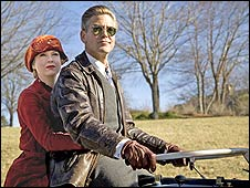 Renee Zellweger and George Clooney in Leatherheads