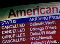 Panel informativo el Aeropuerto Internacional de Portland, en Estados Unidos.