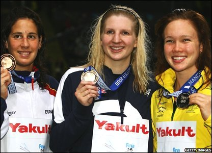 Kylie Palmer, Rebecca Adlington (centre) and Erika Villaecija