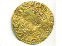 Gold coin found by the couple