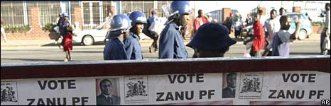 Police in Harare, 10 April 2008