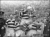 Widnes celebrate winning the Challenge Cup in 1937