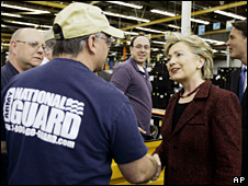 Hillary Clinton visits a factory in Indianapolis (12 April 2008)