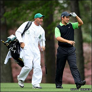 Trevor Immelman salutes the Augusta patrons