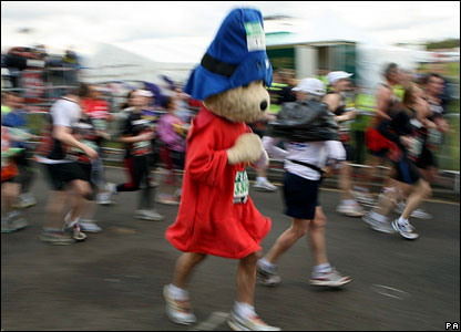 Runner in a Paddington Bear outfit