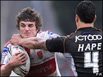 Hull KR's Ben Cockayne faces up to Shontayne Hape