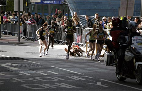 Elite women runners. Copyright Andy Sankey