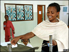 Voter in Addis Ababa (13 April 2008)