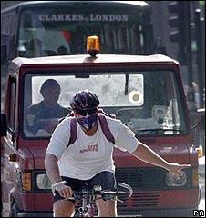 Cyclist wears mask