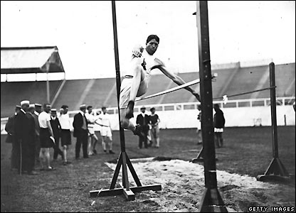 Ray Ewry clears the bar