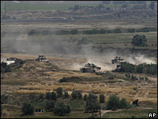 Israeli tanks during an incursion east of Bureij refugee camp, 11 April 2008