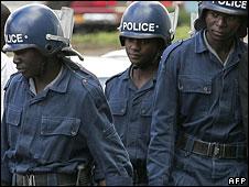 Zimbabwean riot policemen in Harare