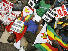 Anti-Mugabe protesters in South Africa