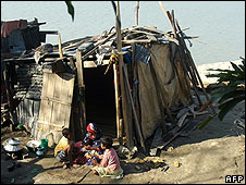 Family living in shack after Cyclone Sidr