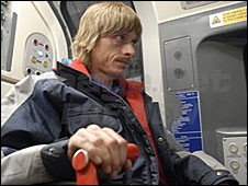Mackenzie Crook in Three and Out