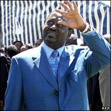 Raila Odinga waving
