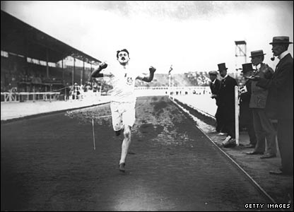 British track officials claimed the American had interfered with Wyndham Halswelle, seen here crossing the line